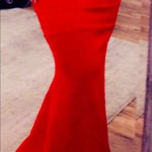 Dresses - Red evening gown